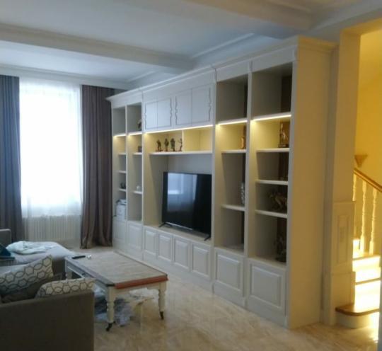 Мебель из дерева для гостиной