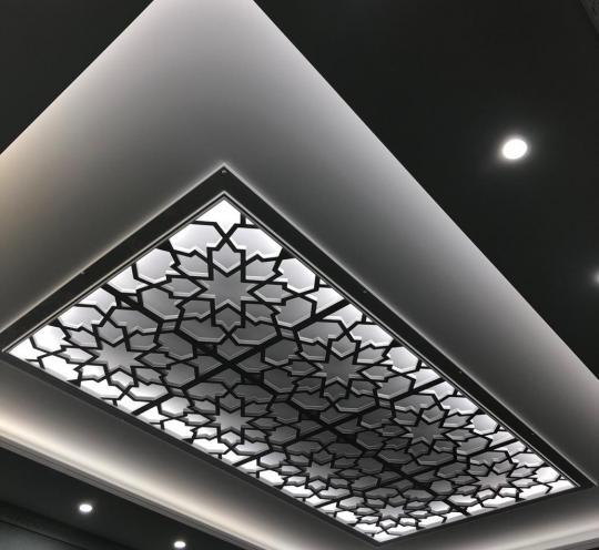 Ажурный декор потолка