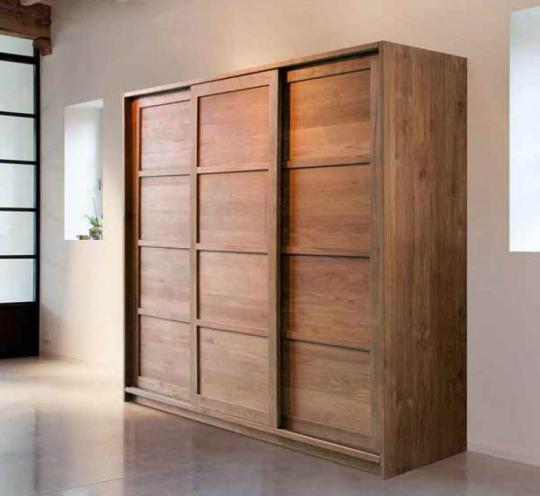 Компактный шкаф-купе для гостиной