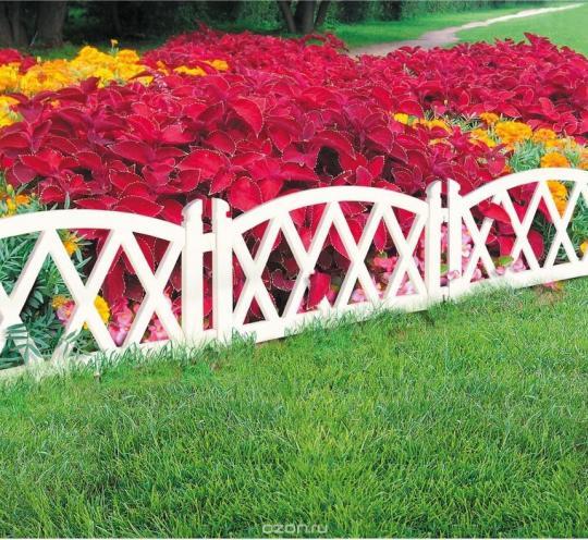 Декоративный заборчик для садового участка