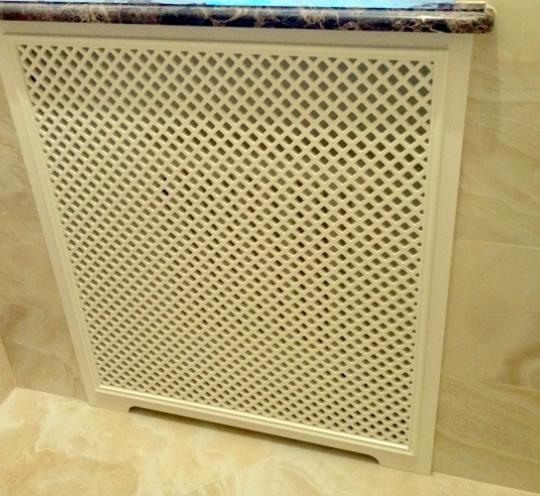 Стильный ажурный экран для радиатора