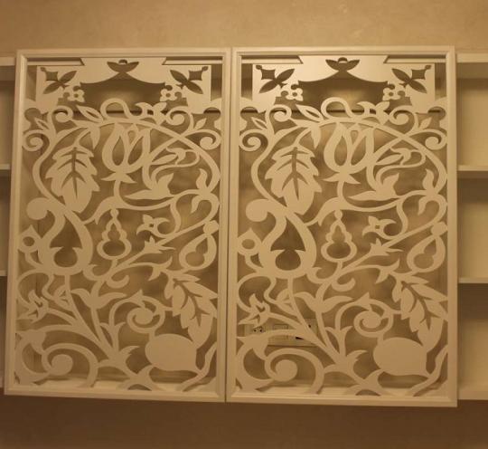 Уникальный резной шкаф для вашего дома