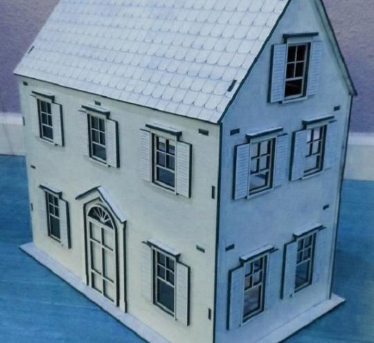 Игрушечный особняк для кукол