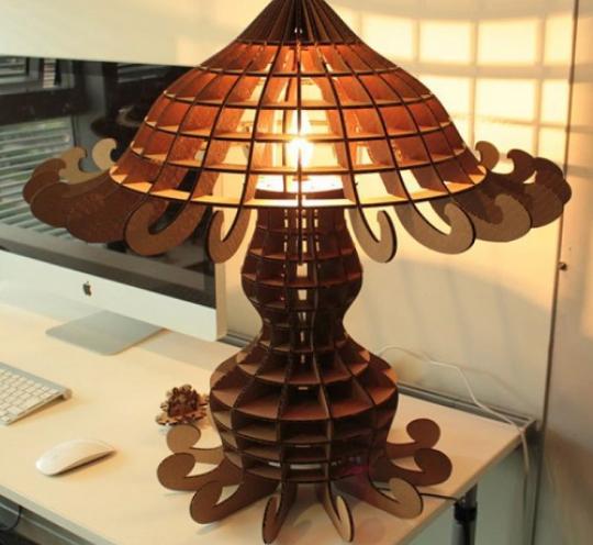 Уникальный светильник из дерева