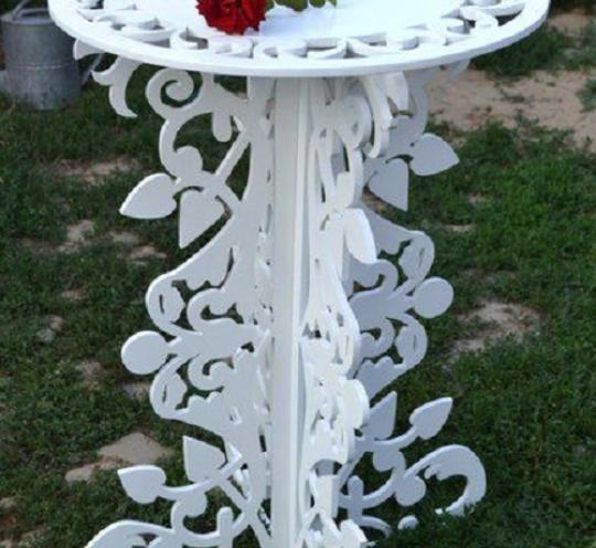 Эксклюзивный столик для сада