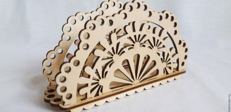 Необычная деревянная салфетница – отличный подарок