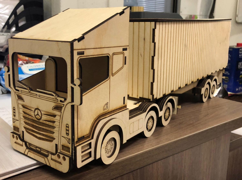 3Д Конструктор из фанеры модели грузового автомобиля