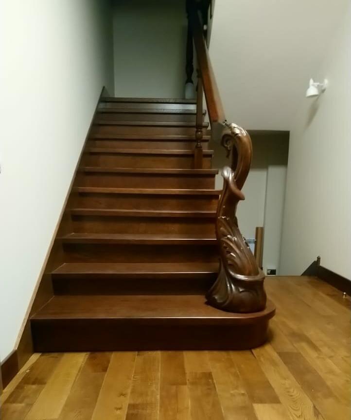 Декоративная лестница из дерева