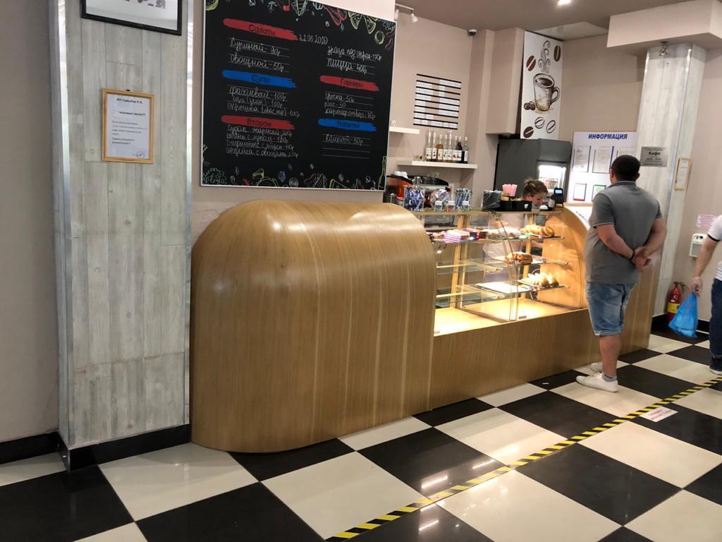 Барная стойка для кафе в шпоне
