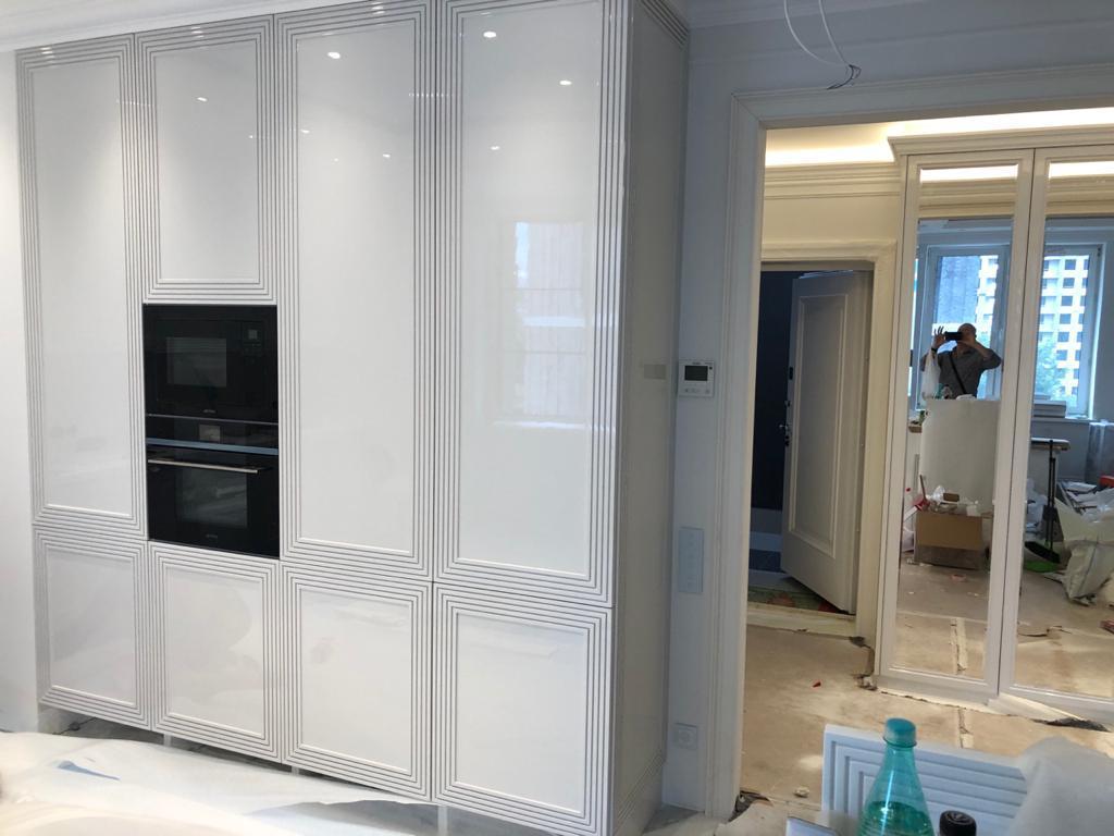 Корпусная мебель на кухню глянец
