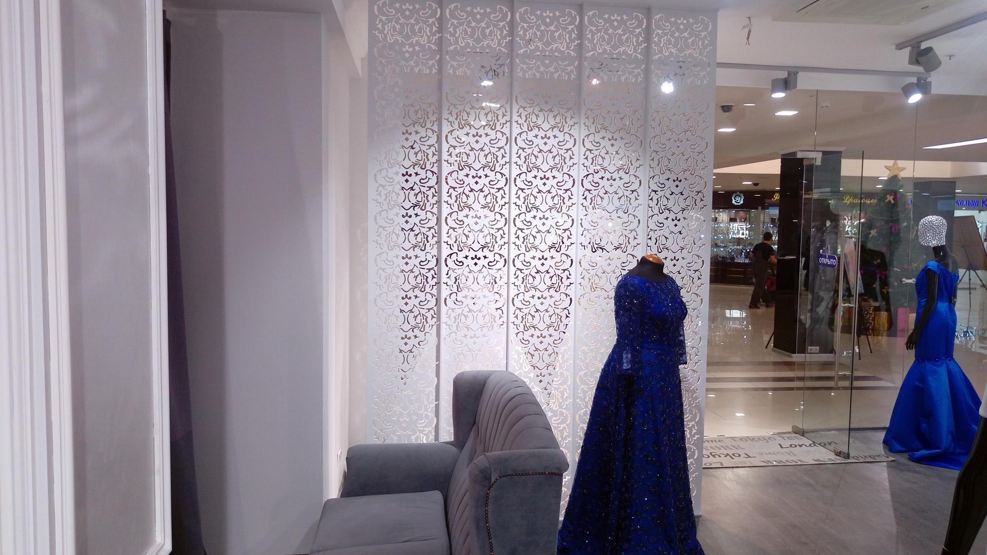 Декоративная ширма для свадебного салона