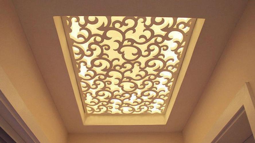 Резная панель для оформления потолка