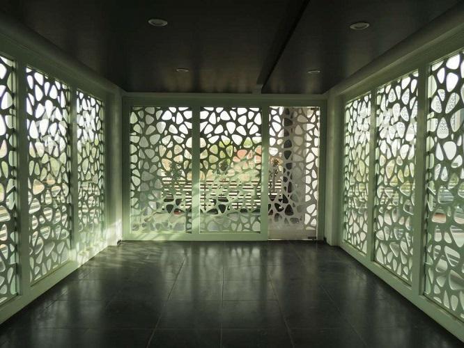 Ажурные стены веранды