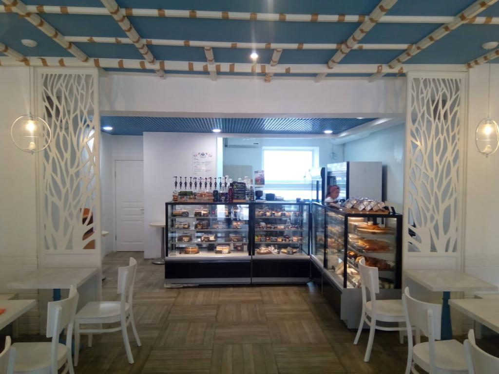 Декоративные перегородки с узором для кафе