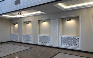 Декоративные экраны на батареи в гостинице