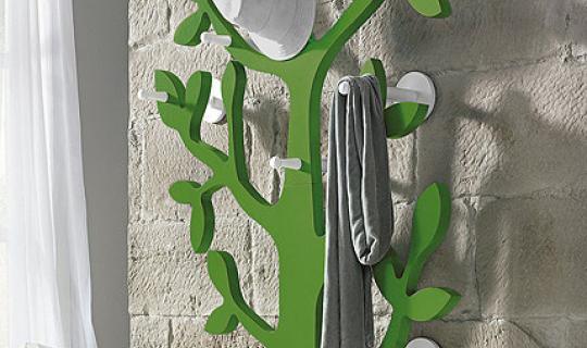 Дерево-вешалка  для декора прихожей