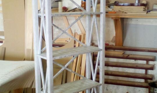Стеллаж декоративный деревянный