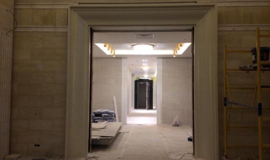 Декоративный портал жилого дома